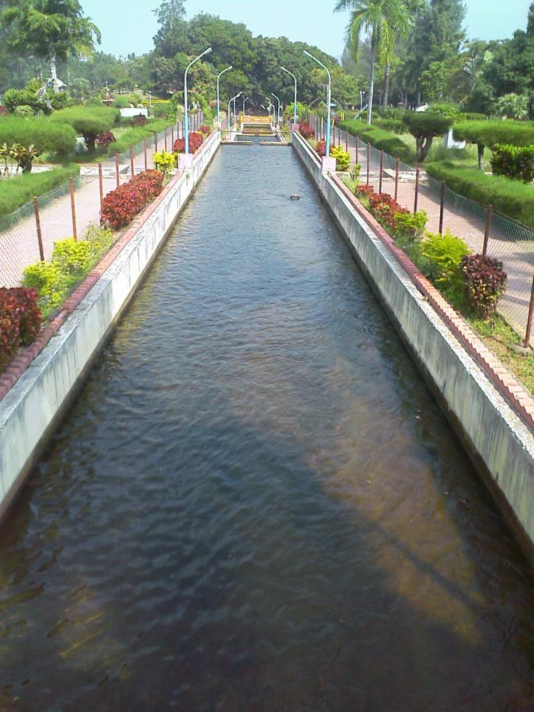 aliyar garden/ park photos
