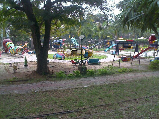 childrens play area in malampuzha gardens palakkad