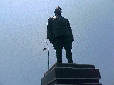 netaji subash chandra bose statue in marina beach